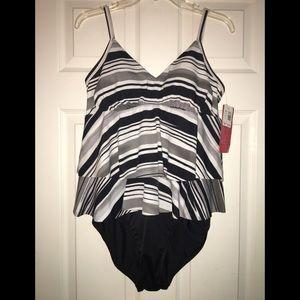 Black & White 1pc Bathing Suit